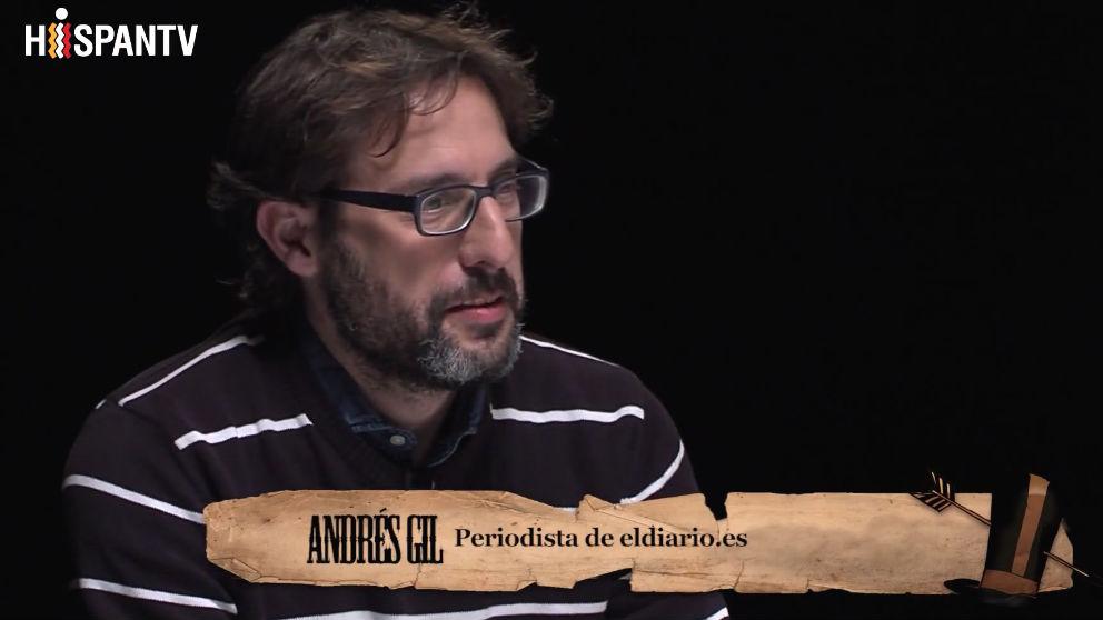 El periodista Andrés Gil en una tertulia de 'Fort Apache', presentada por Pablo Iglesias