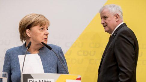 Angela Merkel y Horst Seehofer. (Foto: Europa Press)