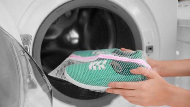 f7163bdb311 Cómo lavar zapatos en la lavadora correctamente paso a paso