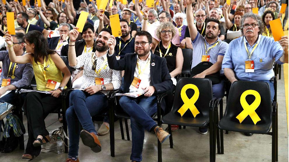 Aragonès, Torrent y Tardà votan en la Conferencia Nacional de ERC (Foto: EFE).