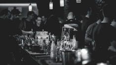 Detenido un padre en Valencia por dejar a sus tres hijos solos para irse a un bar