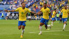 Neymar, celebrando su gol en el Brasil – México. (Getty)