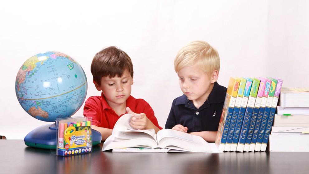 Tu hijo tiene que estudiar en verano