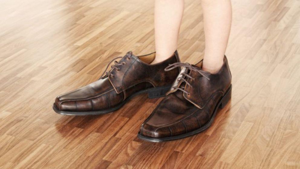 Trucos y consejos para encoger zapatos demasiado grandes