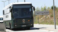 Traslado de los golpistas presos a cárceles catalanas. (Foto: EFE)