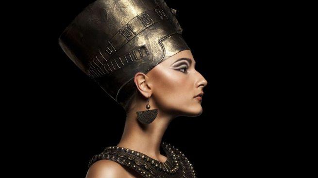 97eff22f8 Cómo hacer maquillaje de egipcia inspirado en Cleopatra paso a paso