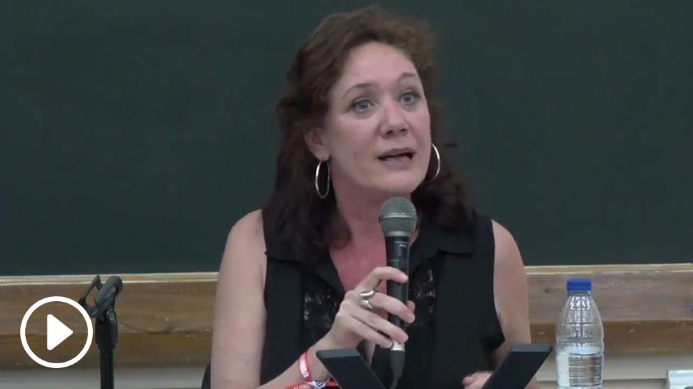 La periodista Cristina Fallarás en una charla organizada por Podemos