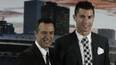 Jorge Mendes y Cristiano Ronaldo. (Getty)