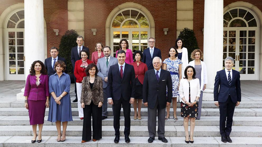 Foto oficial del Consejo de Ministros de Pedro Sánchez. (Foto: EFE)