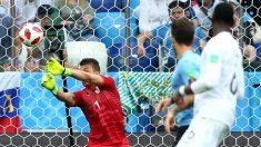 Fernando Muslera cantó en el segundo gol de Francia contra Uruguay. (Getty)