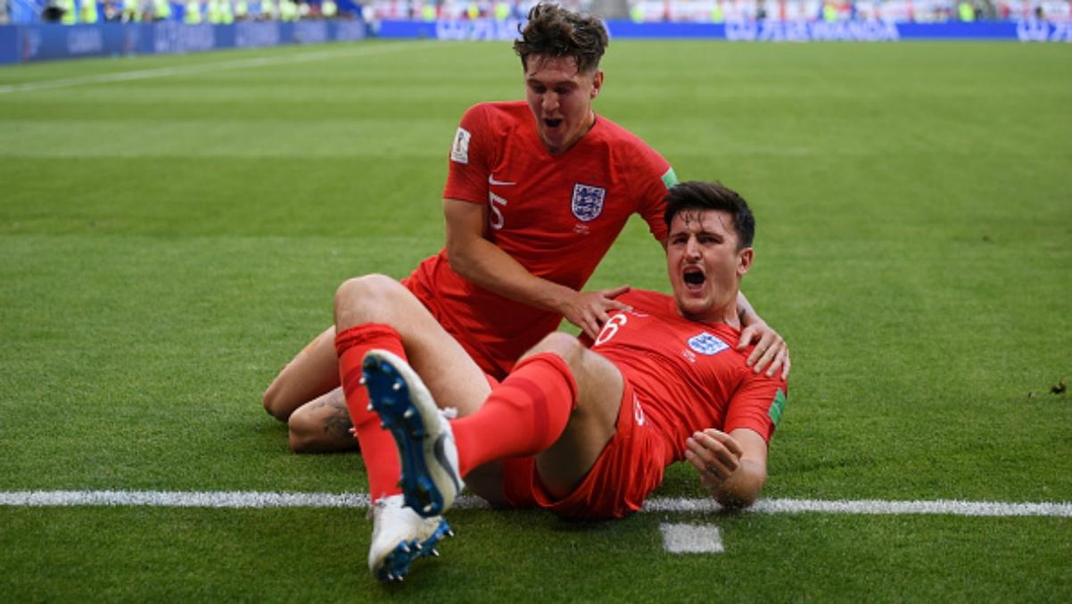 Maguire celebra su gol ante Suecia con Stones. (Getty Images)