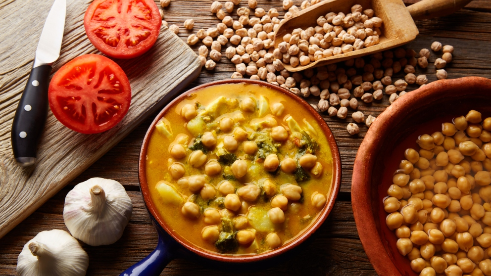 Receta de Potaje de verduras y garbanzos fácil de preparar