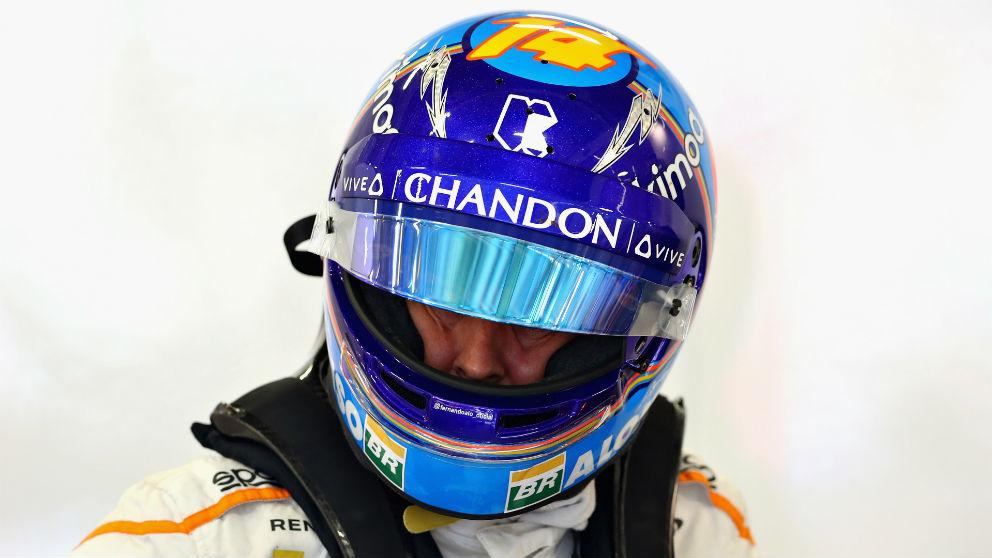 Las críticas de Fernando Alonso a Kevin Magnussen no han sido bien recibidas en Haas, que han tachado al asturiano de ser un llorón. (Getty)