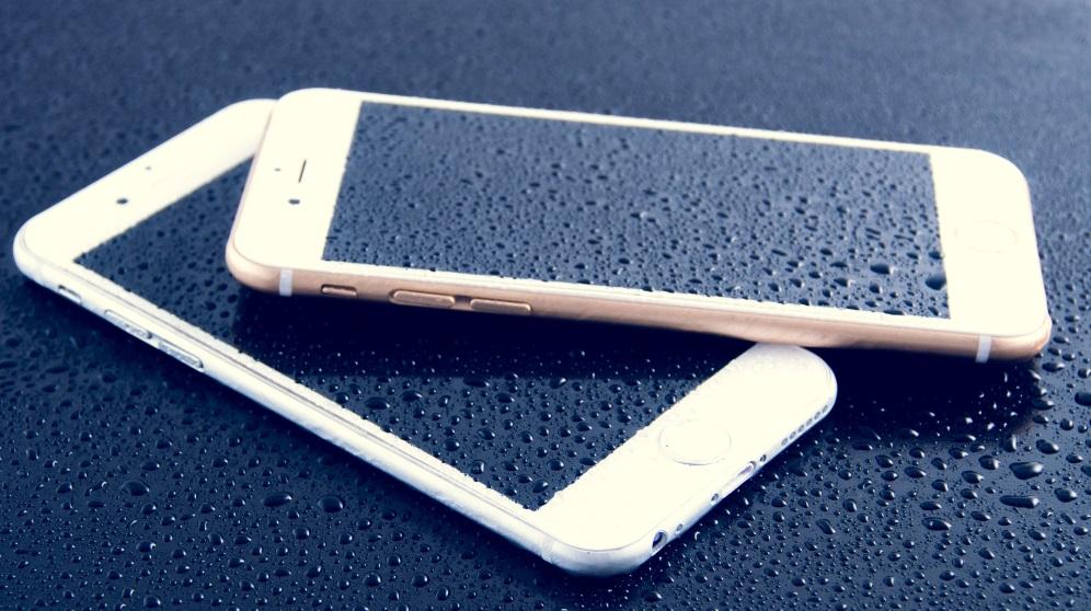 Cómo arreglar un móvil mojado de diferentes maneras