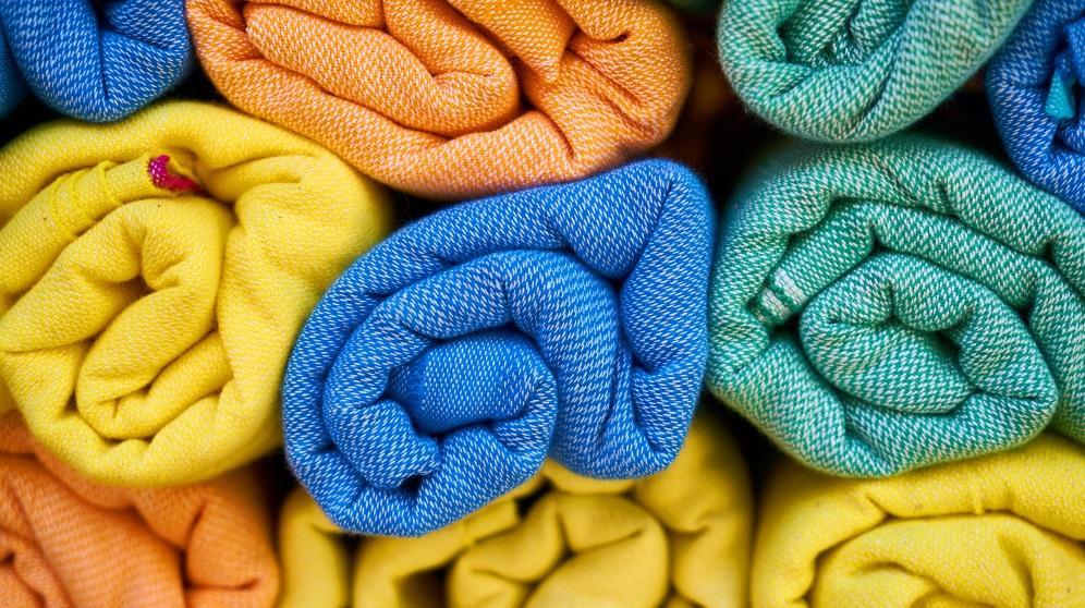 Cómo encoger ropa de algodón de manera eficiente