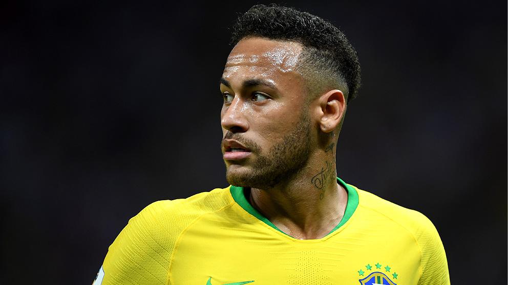 Neymar ha sido duramente criticado por una leyenda del PSG.