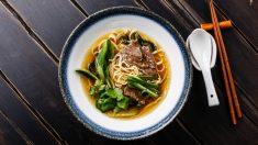 Receta de sopa de Pato estilo oriental fácil de preparar paso a paso