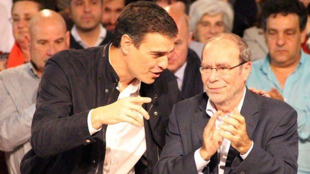 El presidente del Gobierno, Pedro Sánchez y el presidente del PSM, Manuel Robles.