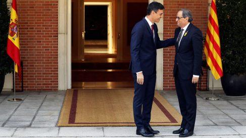 Pedro Sánchez recibe a Quim Torra en La Moncloa. (Foto: EFE)
