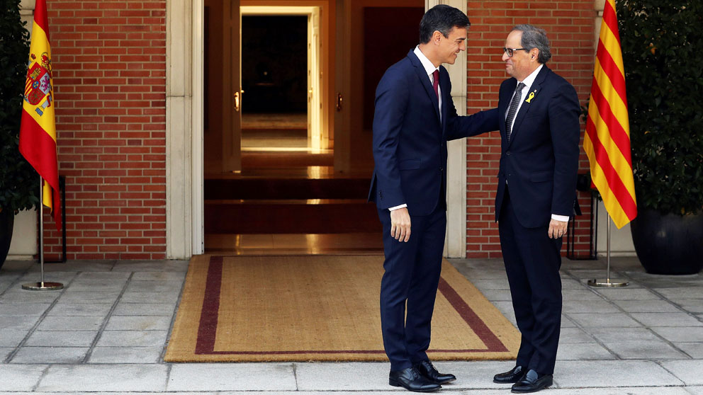 Pedro Sánchez con Quim Torra en La Moncloa. (Foto: EFE)