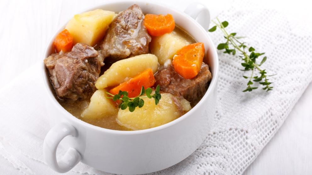 Receta de Estofado de ternera con patatas fácil de preparar