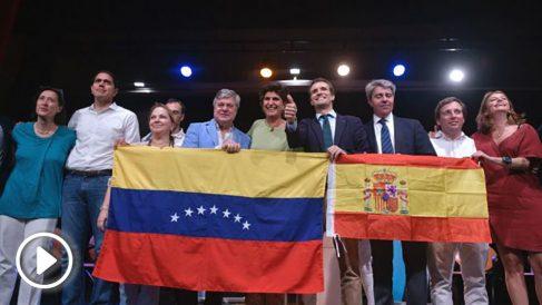 Pablo Casado y María San Gil con opositores venezolanos en Madrid