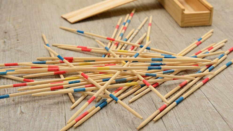 Pasos para saber jugar a los palillos chinos