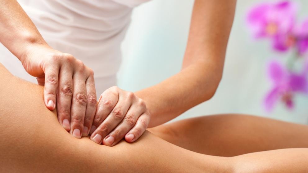 Un masaje aliviará los dolores provocados por la ciática
