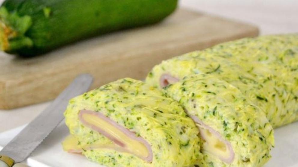 Receta de brazo de gitano de calabacín con jamón y queso, fácil y delicioso