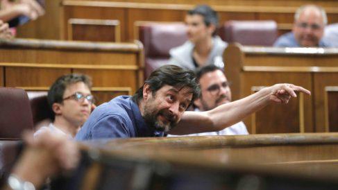 El diputado de Unidos Podemos, Rafael Mayoral, en el Congreso (Foto: Efe)