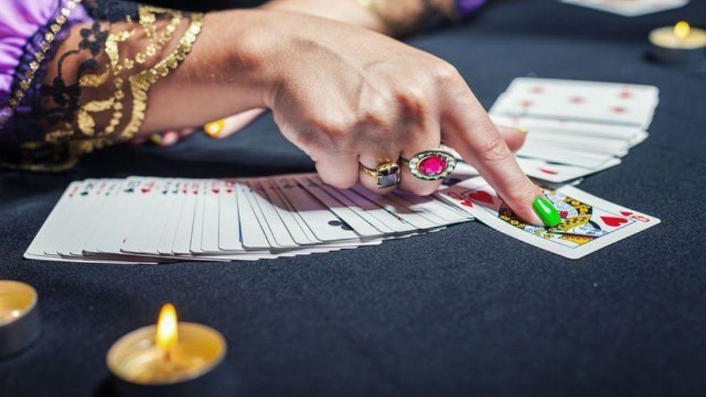 Guía completa para saber cómo leer las cartas del tarot