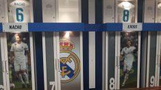 Vestuario del Real Madrid en el Santiago Bernabéu.