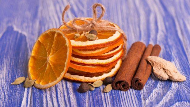 Receta de brownie de chocolate blanco con avellanas y naranja confitada