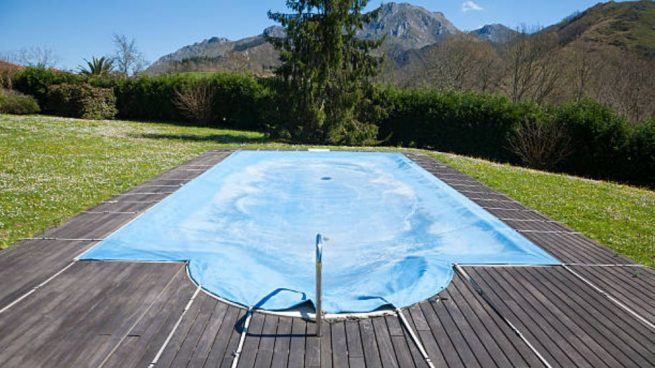 c mo cubrir una piscina