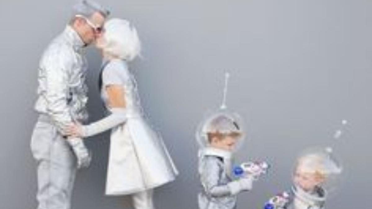 Pasos para hacer un disfraz de extraterrestre con utensilios caseros