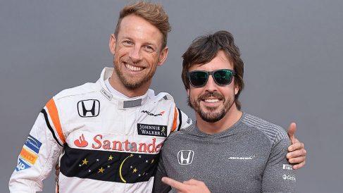Jenson Button considera fundamental una mejora de McLaren a corto plazo para que Fernando Alonso no decida abandonar la Fórmula 1 este año. (Getty)