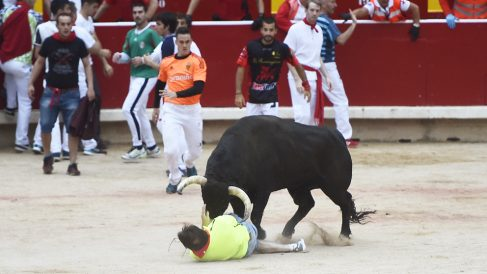 Encierro de los toros de Jandilla en San Fermín 2018. (Foto: AFP)