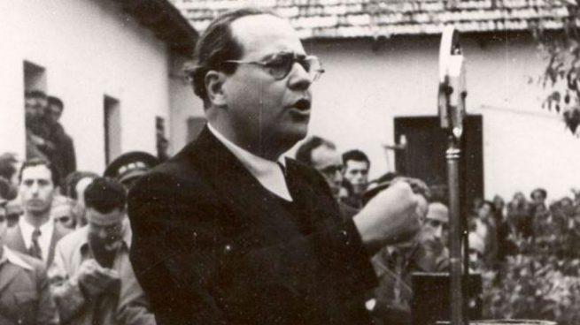 El presidente del Gobierno de la República, Juan Negrín, arengando al Frente Popular en 1938 (Foto: @fjuannegrin)