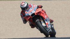 Jorge Lorenzo ha marcado el mejor tiempo en los segundos entrenamientos libres del GP de Alemania de MotoGP. (Getty)