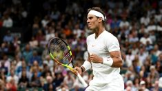 Nadal celebra un punto en su partido contra Djokovic. (Getty)