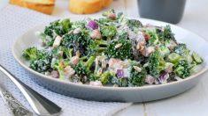 Receta de brócoli con salsa de yogur y mostaza, saludable y ligera