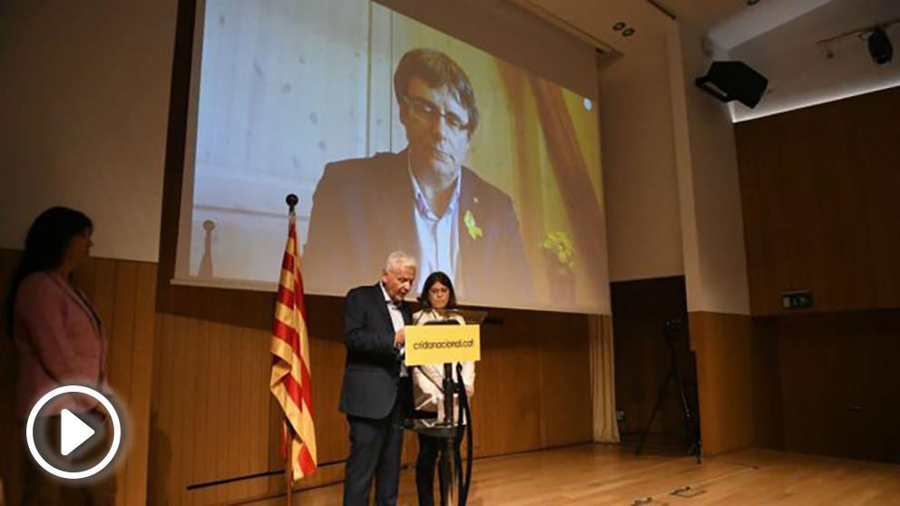 Acto de prrsentación de la nueva plataforma independentista de Puigdemont.