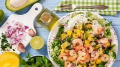 Ensalada de mango y langostinos, un plato fresco y saludable
