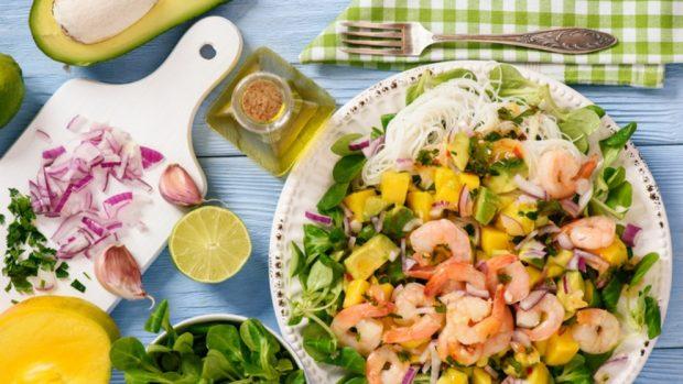 3 recetas de ensaladas para hacer en las cenas y comidas de Navidad 2020