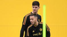 Hazard y Courtois durante un entrenamiento con Bélgica. (AFP)