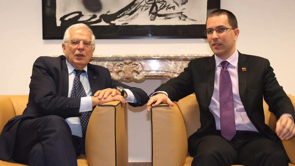 Josep Borrell, ministro de Exteriores de España, y Jorge Arreaza, canciller de Venezuela.
