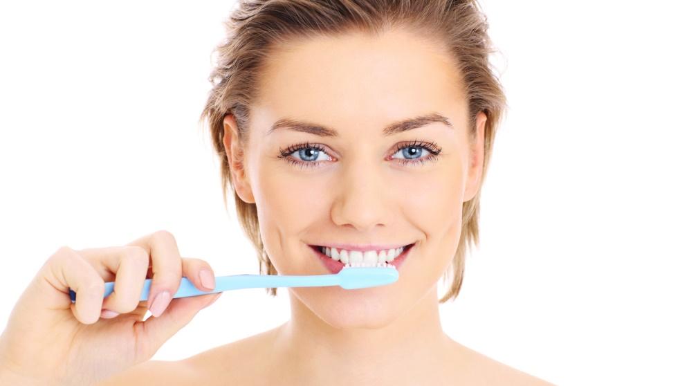 Cómo hacer pasta de dientes casera de diferentes maneras