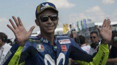 A sus 39 años, Valentino Rossi sigue mostrando un estado de forma envidiable que sin embargo podría no ser suficiente como para lograr su ansiado décimo mundial. (Getty)