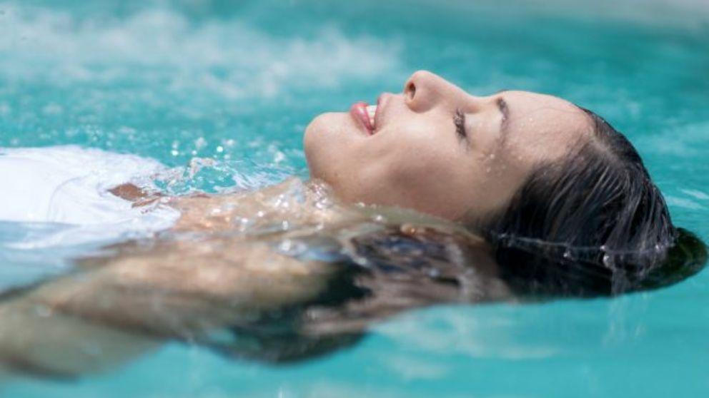 C mo calentar el agua de la piscina - Agua de la piscina turbia ...