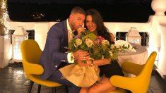 Sergio Ramos y Pilar Rubio, posan con el anillo de matrimonio. (Instagram)